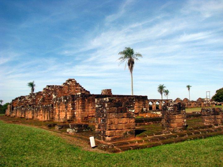 Encarnation şi ruinele iezuite